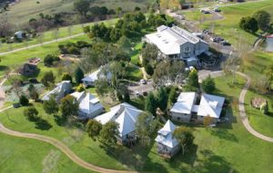 Pinnacle Valley Resort - Accommodation Melbourne