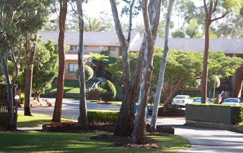 Comfort Inn  Suites Robertson Gardens - Accommodation Melbourne
