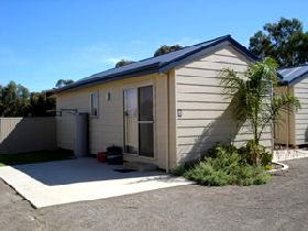 Moonta Bay Cabins - Accommodation Melbourne