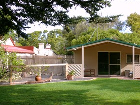 Shiralea Country Cottage - Accommodation Melbourne