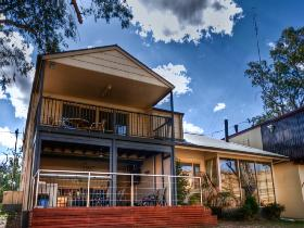 River Shack Rentals - The Manor - Accommodation Melbourne