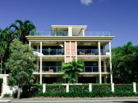 Cairns Beachfront Apartment - Accommodation Melbourne