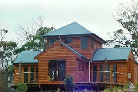 Tree House - The - Accommodation Melbourne