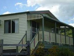 Halls Country Cottages - Accommodation Melbourne