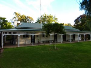 Lake Victoria Station Lodge - Accommodation Melbourne