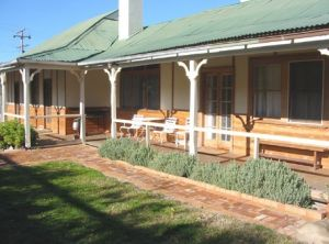 Gundagai Historic Cottages Bed and Breakfast - Accommodation Melbourne