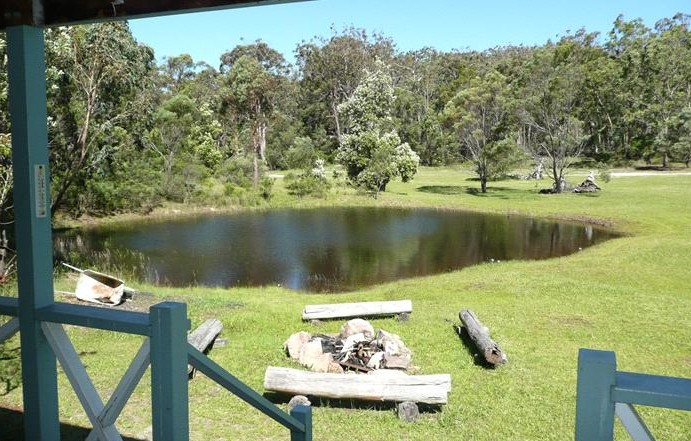 Possums Hollow and Hooters Hut - Accommodation Melbourne