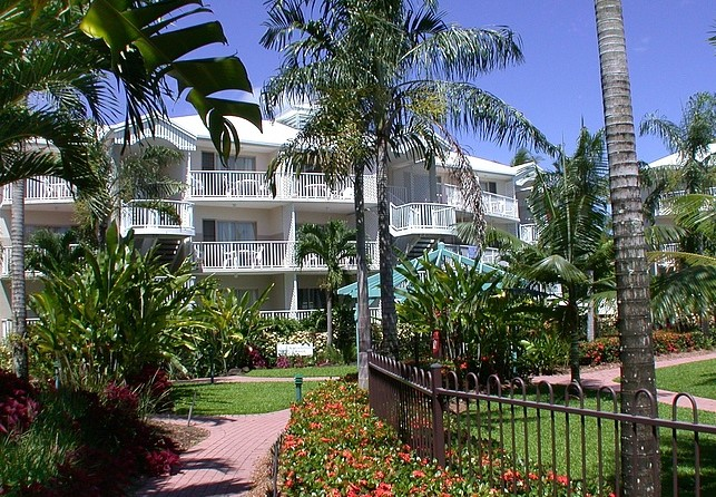 Australis Cairns Beach Resort - Accommodation Melbourne