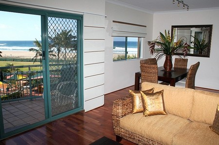 Currumbin Sands on the Beach - Accommodation Melbourne
