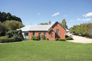 Woodend Old School House Bed and Breakfast - Accommodation Melbourne