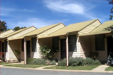The Village Cabins - Accommodation Melbourne