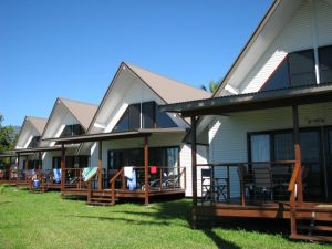 Cardwell Beachcomber Motel  Tourist Park - Accommodation Melbourne