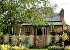 Rossmore Cottage - Accommodation Melbourne