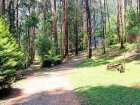Hill 'n' Dale Farm Cottages - Accommodation Melbourne