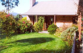 Canowindra Cottage - Accommodation Melbourne