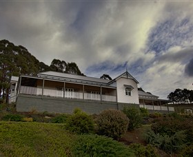 House on the Hill Bed and Breakfast - Accommodation Melbourne