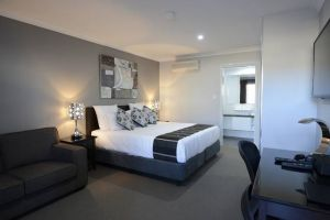 Aastro Dish Motor Inn - Accommodation Melbourne