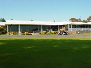 Tenterfield Golf Club and Fairways Lodge - Accommodation Melbourne