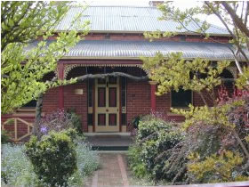 FINCHES OF BEECHWORTH - Accommodation Melbourne