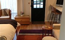 Milo's Bed and Breakfast - Accommodation Melbourne