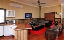 Top of the Range Retreat - Accommodation Melbourne