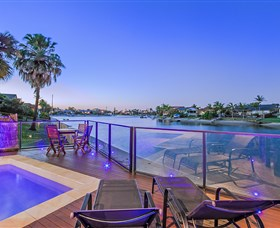 Kurrawa Cove at Vogue Holiday Homes - Accommodation Melbourne