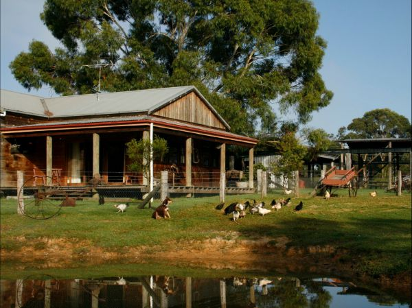 Tobruk Sydney Farm Stay - Accommodation Melbourne