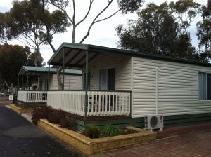Lake Albert Caravan Park Meningie SA - Accommodation Melbourne