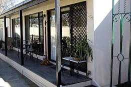 Courtside Cottage Bed and Breakfast - Accommodation Melbourne