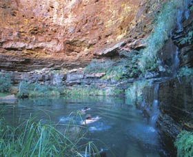 Dales Gorge and Circular Pool - Accommodation Melbourne