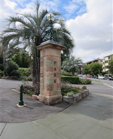 Newstead Park Memorials - Accommodation Melbourne