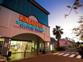 Runaway Bay Shopping Village - Accommodation Melbourne
