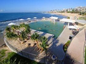 Kings Beach - Beachfront Salt Water Pool - Accommodation Melbourne
