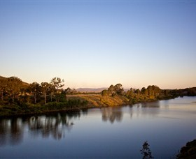 Lake Wivenhoe - Accommodation Melbourne