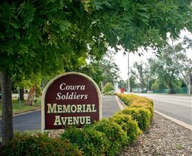 Memorial Avenue in Cowra - Accommodation Melbourne