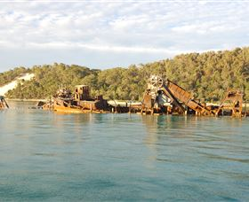 Tangalooma Wrecks Dive Site - Accommodation Melbourne