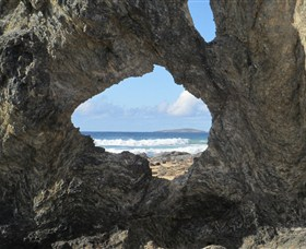 Glasshouse Rocks and Pillow Lava - Accommodation Melbourne