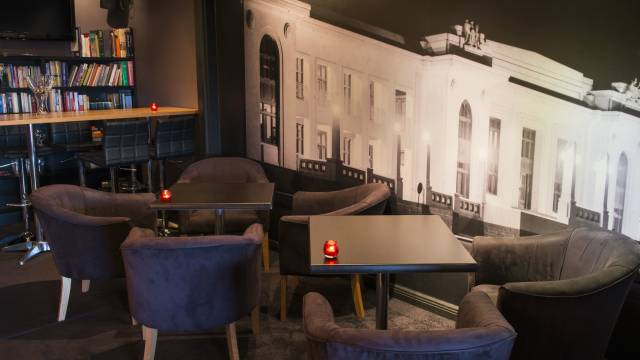 Polit Bar - Accommodation Melbourne