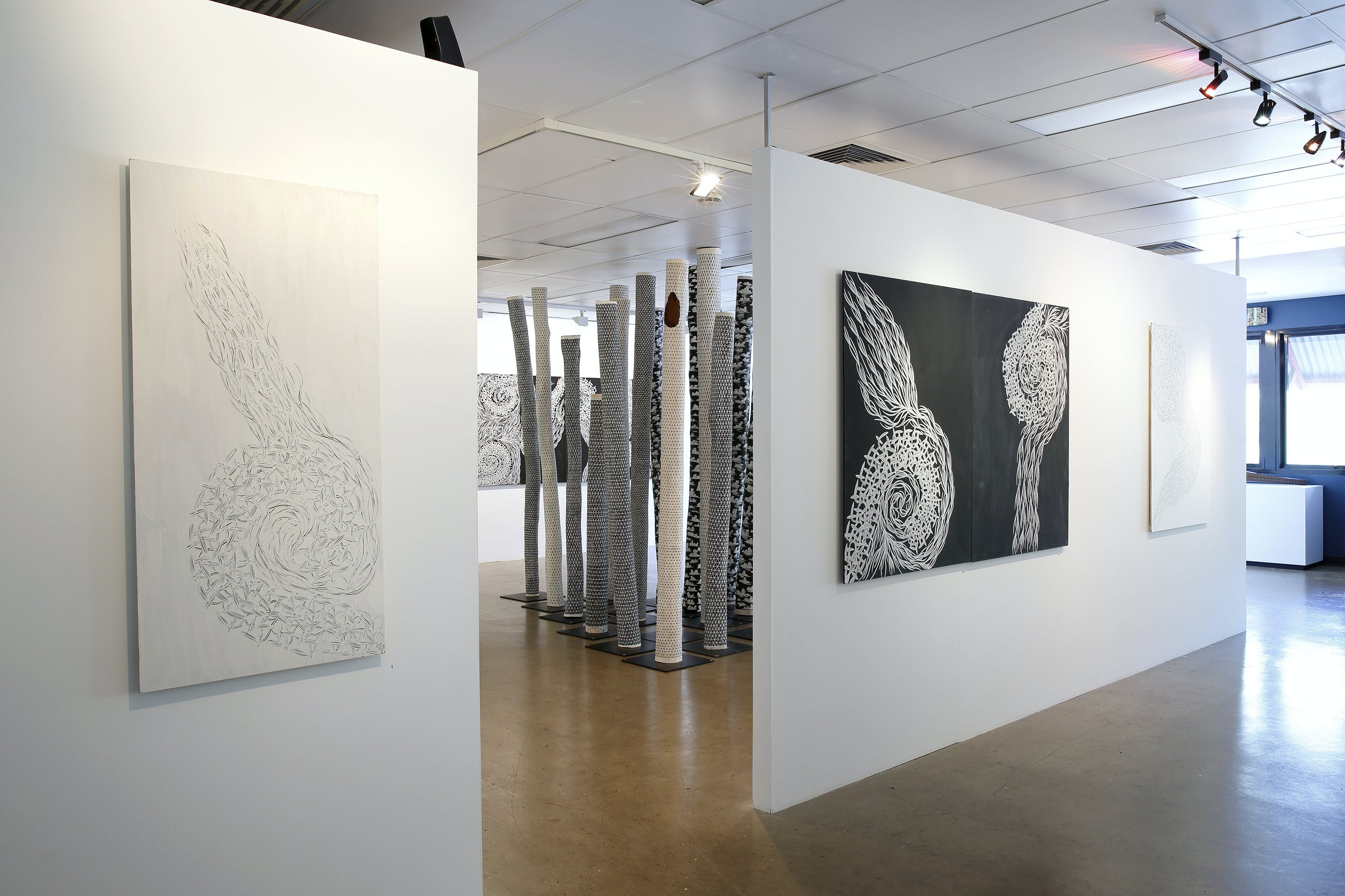 Outstation Gallery - Aboriginal Art from Art Centres - Accommodation Melbourne