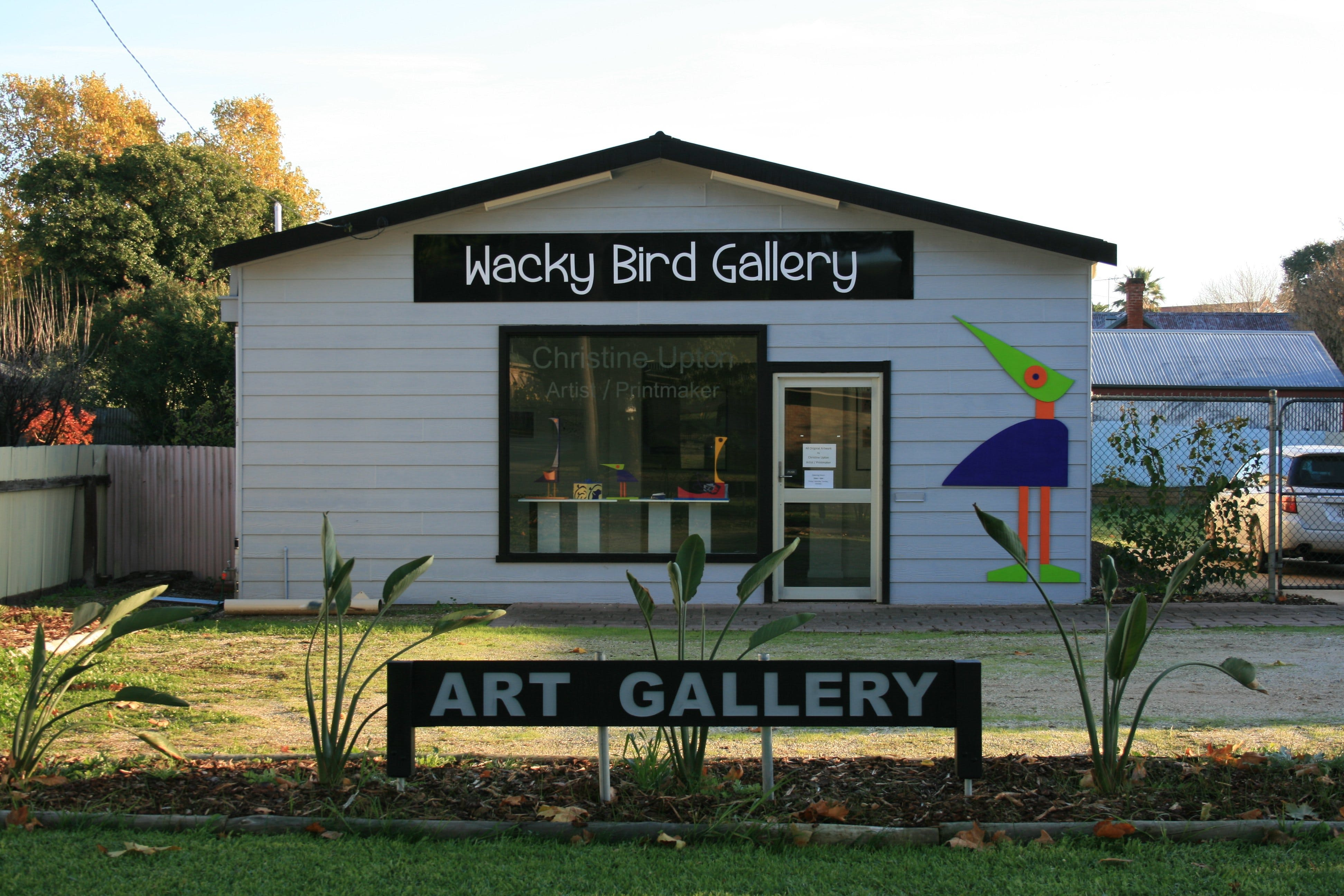 Wacky Bird Gallery - Accommodation Melbourne