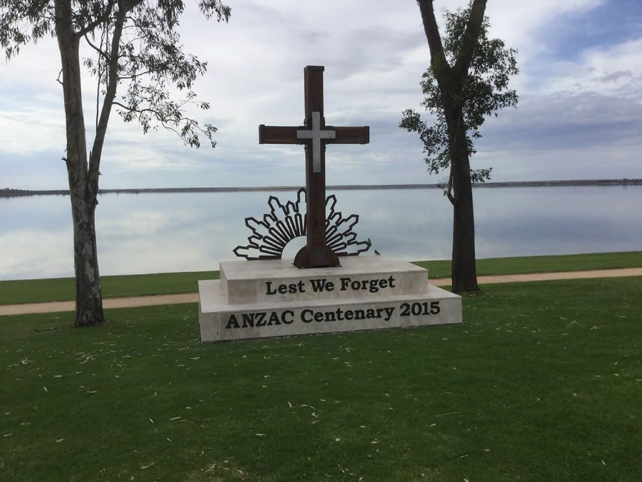 Anzac Centenary Cross - Accommodation Melbourne