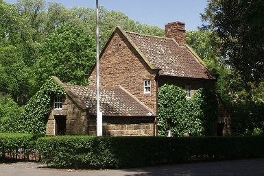 Cooks' Cottage - Accommodation Melbourne