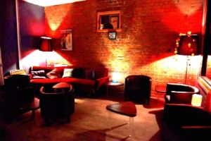 Club Voltaire - Accommodation Melbourne