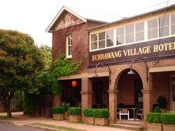 Burrawang Village Hotel - Accommodation Melbourne
