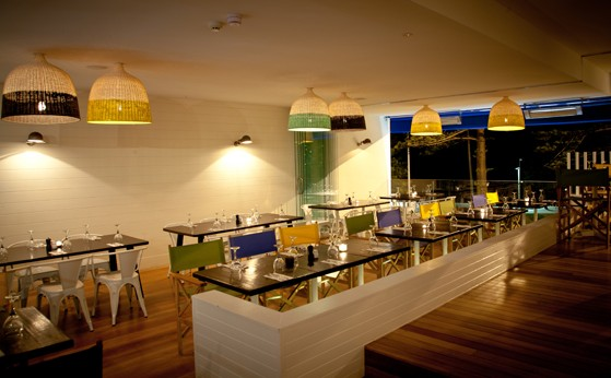 Deck Bar and Dining - Accommodation Melbourne