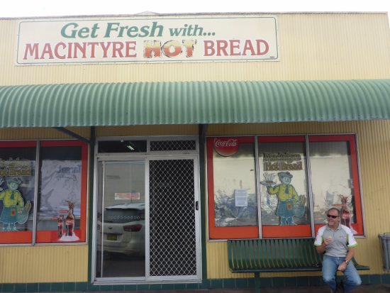 MacIntyre Hot Bread Shop - Accommodation Melbourne