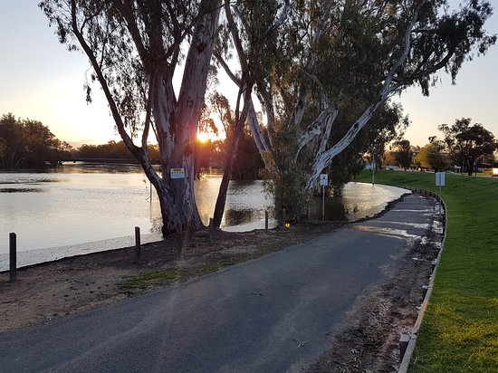 The Foreshore Tocumwal - Accommodation Melbourne