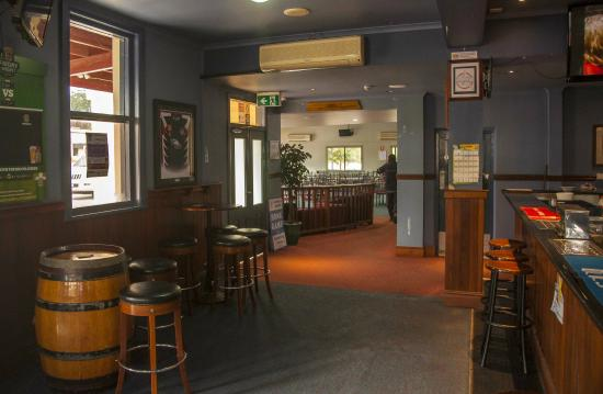 Royal Hotel Restaurant - Accommodation Melbourne