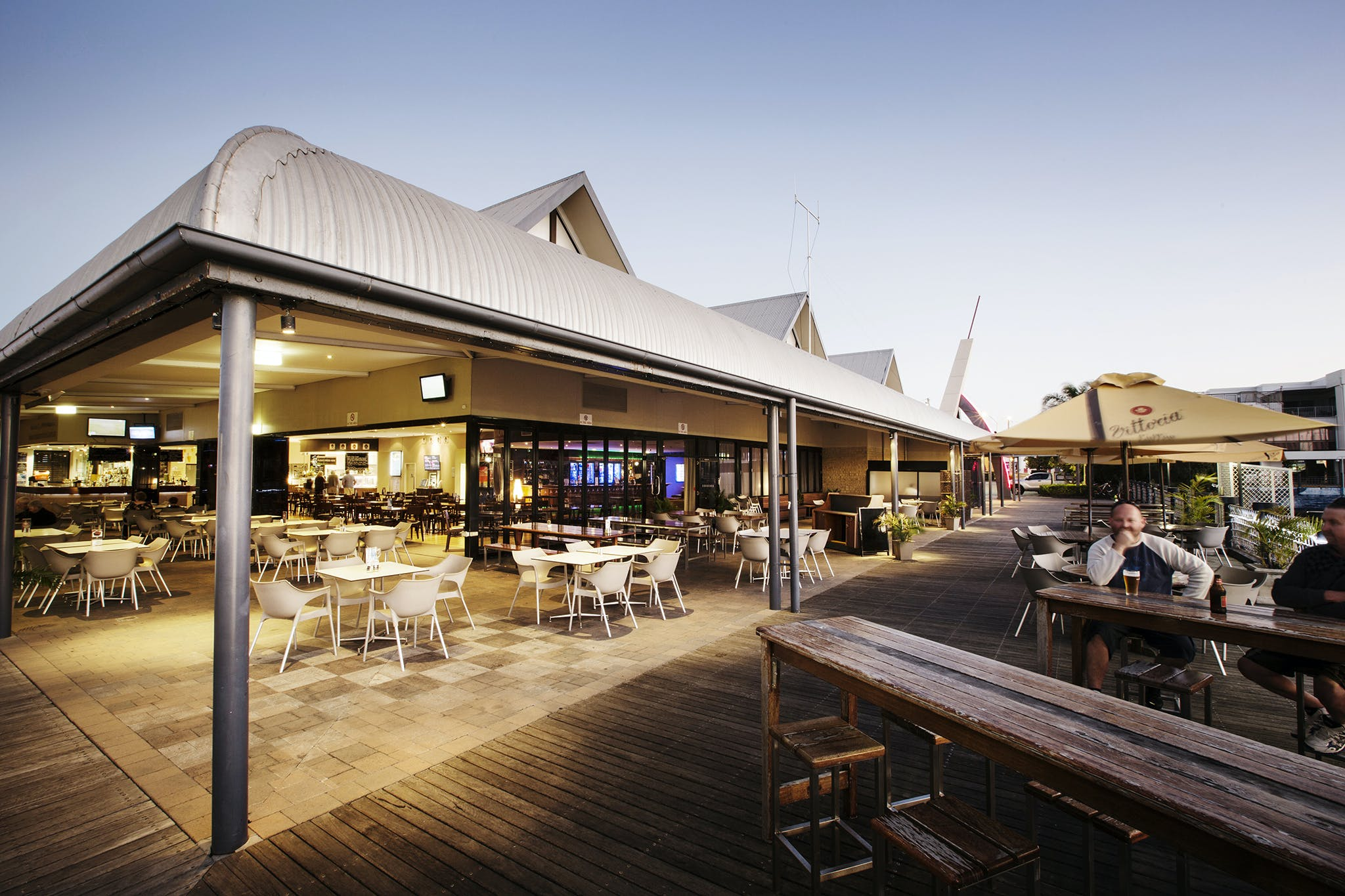 Kawana Waters Hotel - Accommodation Melbourne
