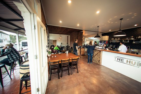 The Hub - Pizza and Beer - Accommodation Melbourne